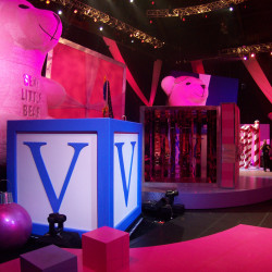 Victoria Secret  TV Set
